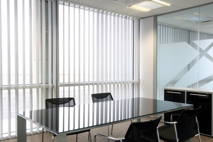 Lakeside Blinds Awnings Shutters Glass Roof Blinds 720 480